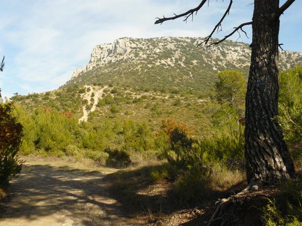 vue sur le  mont Olympe et ses falaises rocheuses