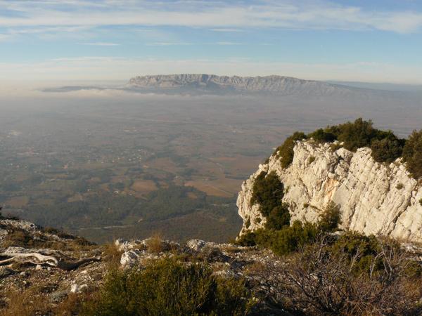 Vue sur la Sainte-Victoire depuis le sommet du Mont Olympe