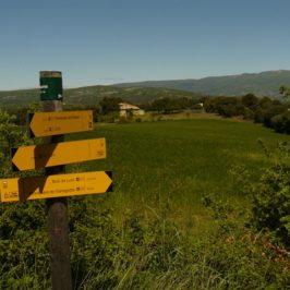 ganagobie- panneaux indicateurs sentiers
