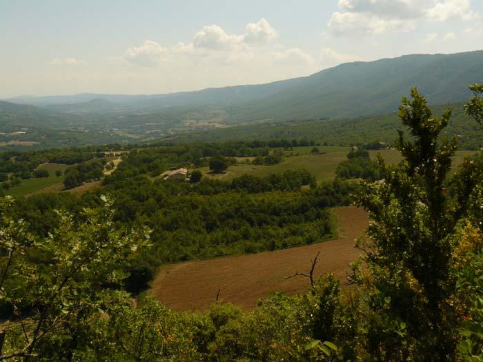 Vue vers l'Est du Luberon en direction de Forcalquier