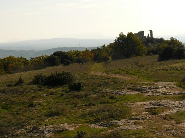 Vieux Vernegues puech ruines du château