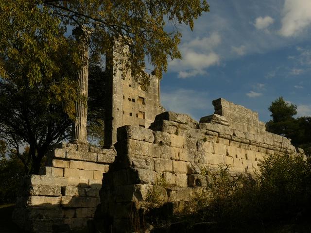 vernegues-temple-romain