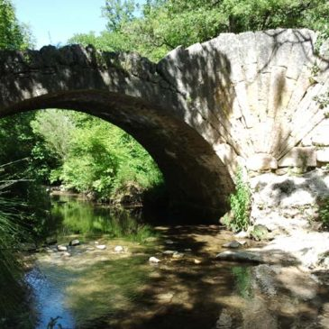 Balade le long de l'Aiguebrun à la découverte du pont à la Coquille