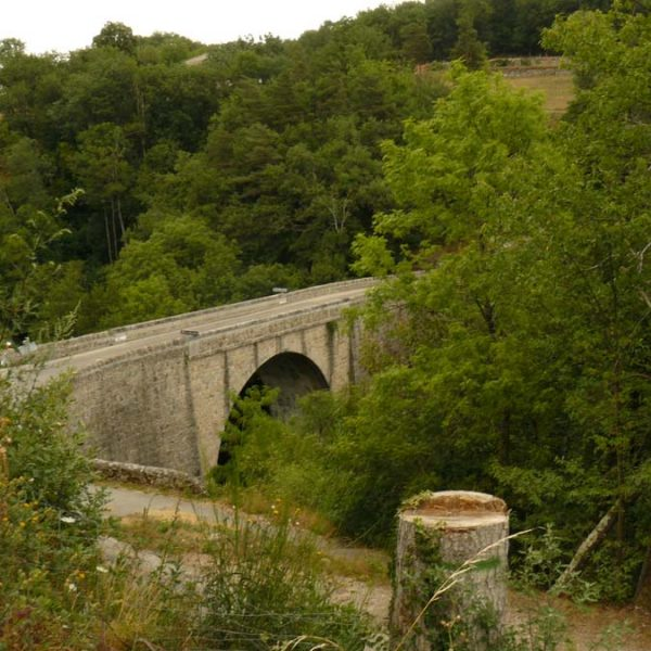 Le Pont de Belay menant à Vernoux ou Silhac