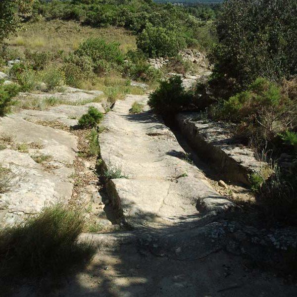 Ornières  caractéristtiques de voie romaine