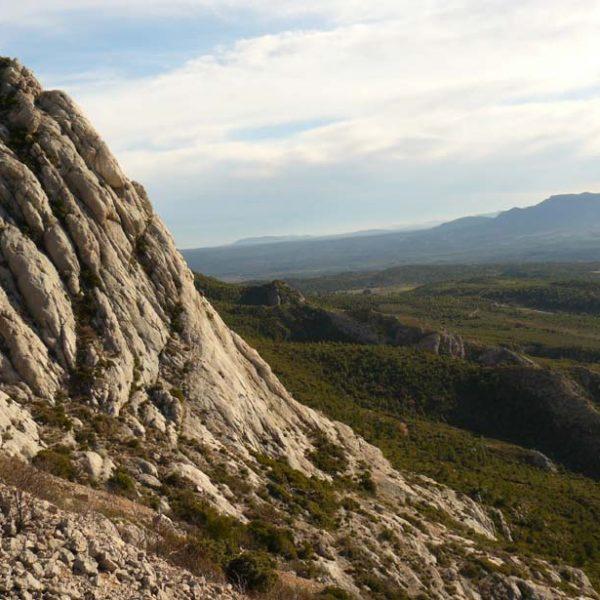 Sainte-Victoire vue vers la plaine de l'Arc