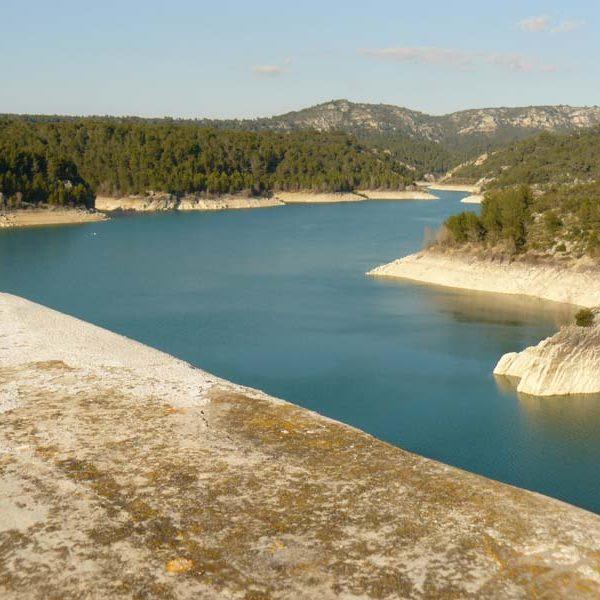 sainte-victoire lac de Bimont depuis le barrage