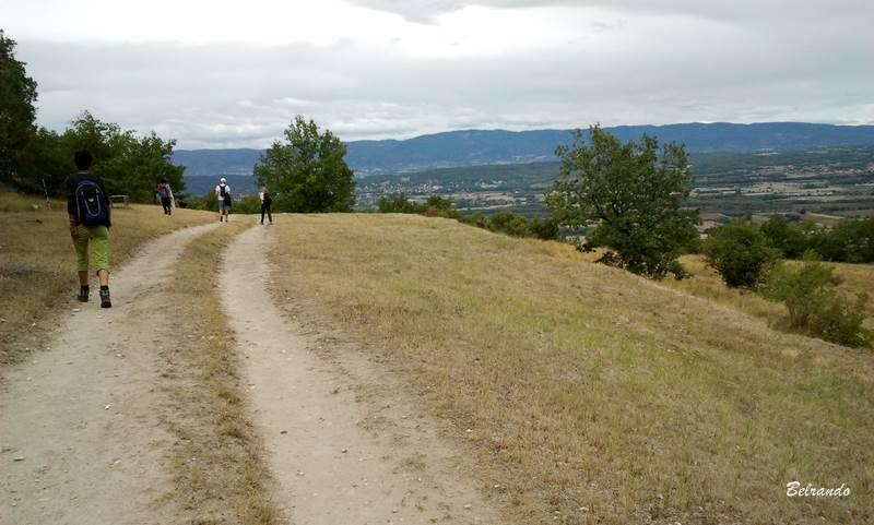 Côté est, vue sur le massif du Luberon