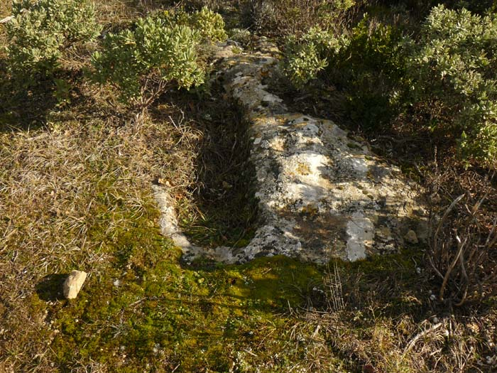 Une des tombe rupestre de la nécropole