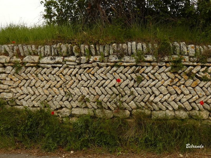 Mur en arrêtes de poisson