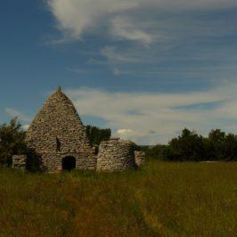 Photos de Saignon et des bories du plateau des Claparèdes