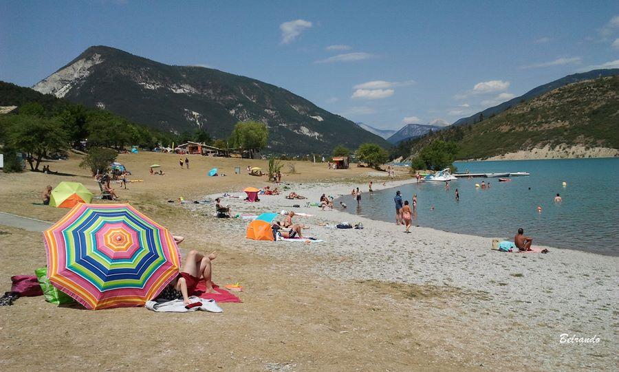 Plage du lac de Castillon à Saint André les Alpes