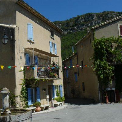 saint-julien-du-verdon maisons