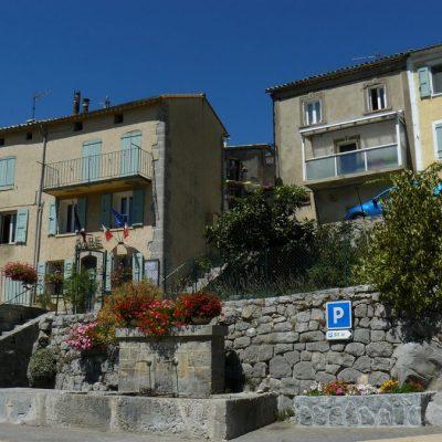 saint-julien-du-verdon maison typiques