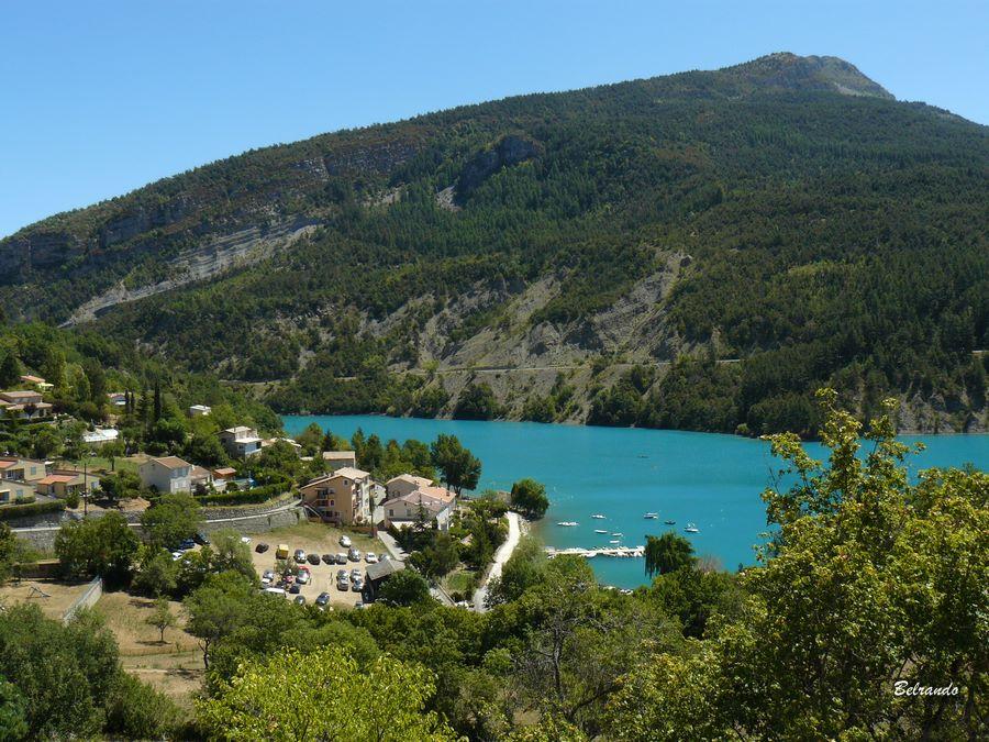 saint-julien-du-verdon vue sur le lac