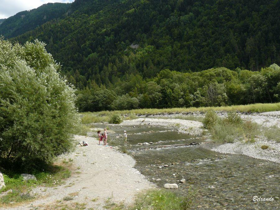Vue sur le Drac - rivière - au départ de la randonnée.