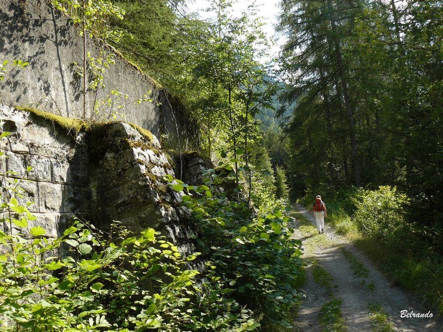 Mur de soutènement de l'ancien canal de Gap