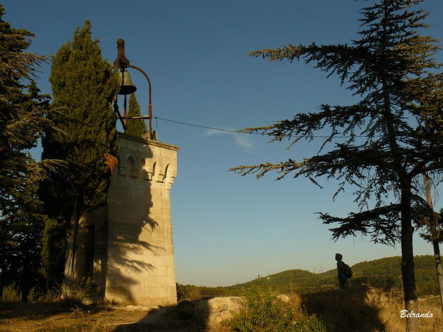 La tour située à l'extrêmité du promontoire.