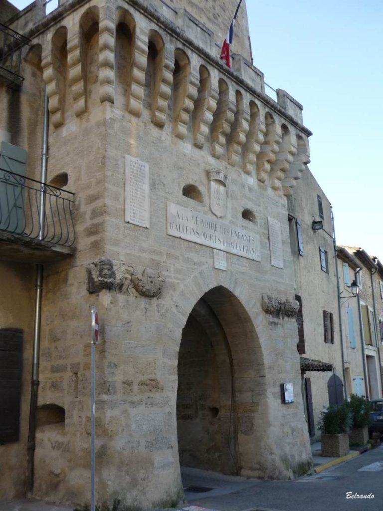 alleins-village-Le Beffroi