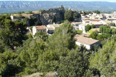 alleins-village-chateau