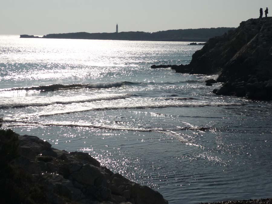 carro-cote-bleue vue sur la mer scintillante