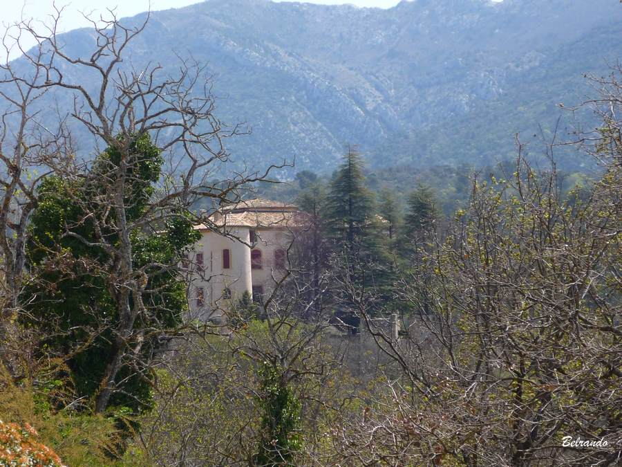 Le chateau de Vauvenargues.