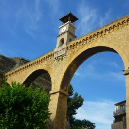 saint-chamas-aqueduc-horloge