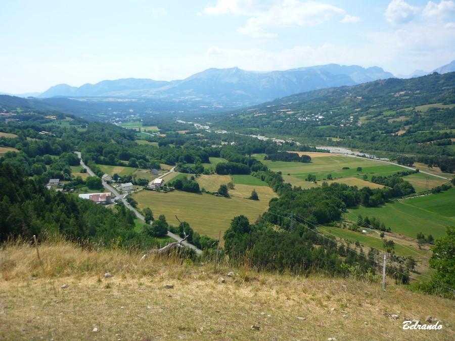 Vue sur la plaine du Drac et massifs du Champsaur