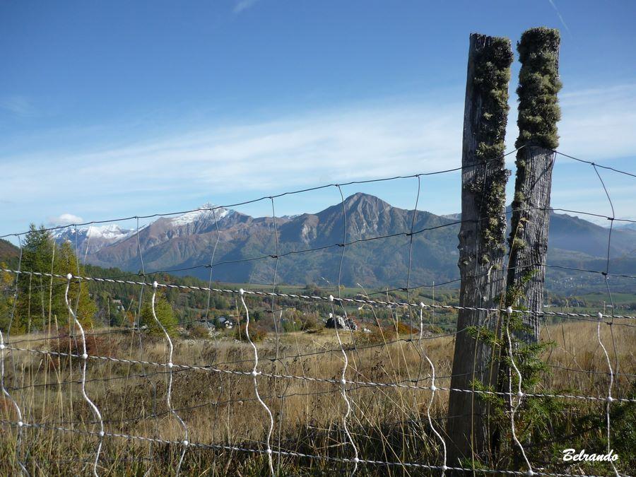 Vue sur le Cuchon et le massif des Autanes