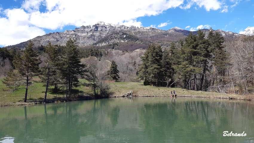 retenue d'eau près de saint-michel-chaillol