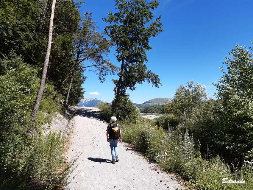 petite montée piste le long du Drac